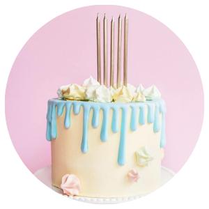 Velas de aniversário em artigos para festa