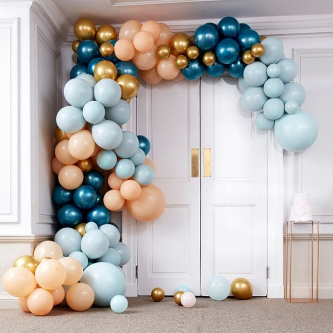ba 318 large greens and gold chrome balloon arch min