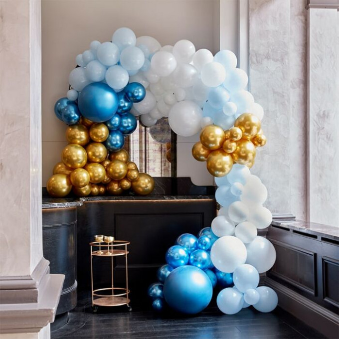 ba 323 large blues and gold chrome balloon arch min
