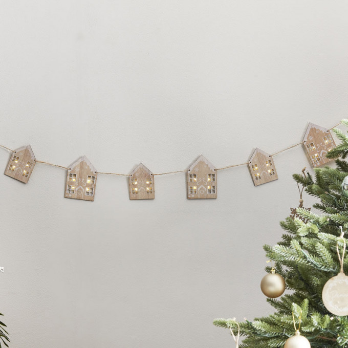 noel 105   wooden gingerbread house bunting with light up windows